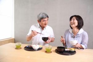 美味しいものを食べると脳が活性化
